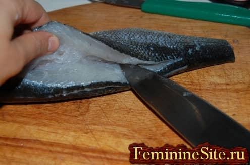 разделка рыбы - отделить мясо от костей
