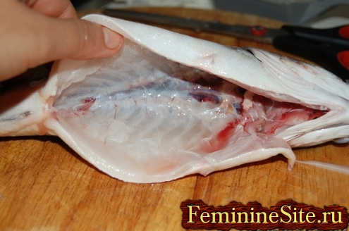 разрезка брюха рыбы - результат