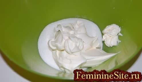 Рецепт чизкейка в домашних условиях - сахар и маскарпоне